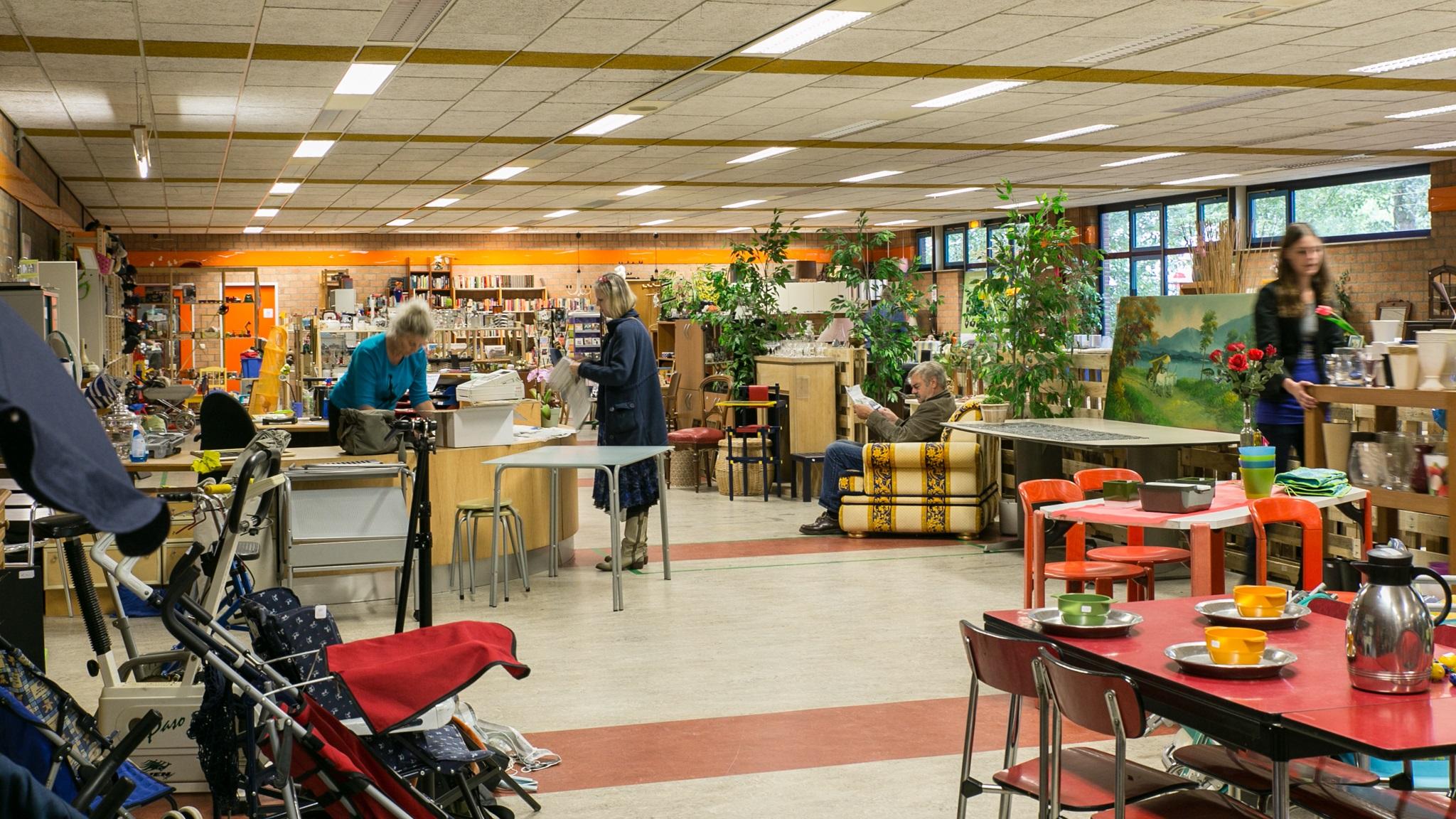 Winkelen  Kringloopplus kringloop kringloopwinkel kringloopdag kringloop+